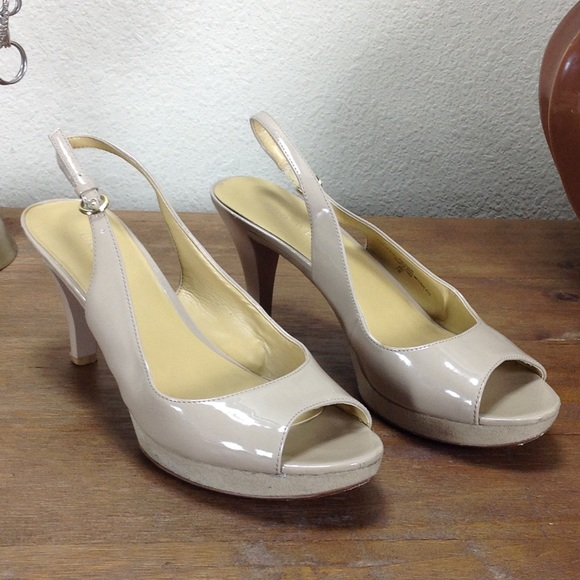f6e8da66c12 Nine West Nude Faux Leather Platform Sandals. M 5ae377f02ae12fc464edf511